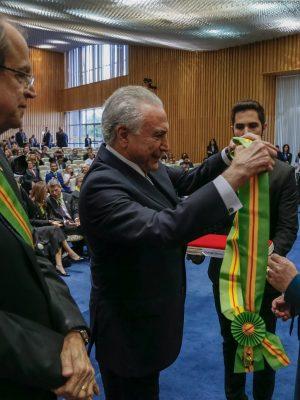 (Brasília - DF, 28/11/2018) Presidente da República, Michel Temer durante aposição da Medalha da Ordem do Mérito do Trabalho Getúlio Vargas no Grau Grã-Cruz à Procuradora Geral da República, Raquel Dodge.  Foto: Cesar Itiberê/PR
