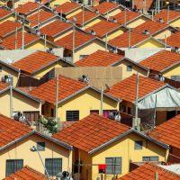numero-de-domicilios-com-familias-morando-de-favor-cresce-7-economia-estadao