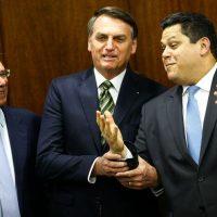O ministro da Economia, Paulo Guedes, e o presidente Jair Bolsonaro, durante entrega do Plano mais Brasil – Transformação do Estado ao presidente do Congresso Nacional, Davi Alcolumbre