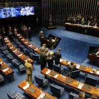 Presidente do Senado, Davi Alcolumbre, preside sessão de votação do PL 1645/19 que trata da reestruturação da carreira e aposentadoria dos militares.