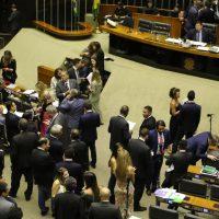 O presidente do Congresso, Davi Alcolumbre, preside sessão de votação de vetos presidenciais